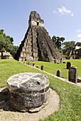 Temple of the Gran Jaguar (Temple I) at the Gran Plaza, Tikal mayan archeological site. Petén Department, Guatemala
