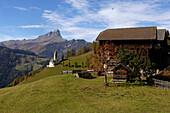 Mountain village, Peitlerkofel in the background, Wengen, Abteital, Ladinische Täler, South Tyrol, Italy