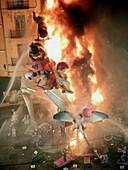 Burn, Burning, Celebrate, Celebrating, Celebration, Celebrations, Color, Colour, Comunidad Valenciana, Destruction, Europe, Exterior, Fallas, Festival, Festivals, Figure, Figures, Fire, Flame, Flames, Folk, Folklore, From above, Heat, Holiday, Holidays, N