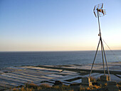 Antenna, Antennae, Antennas, Blue, Blue sky, Coast, Coastal, Color, Colour, Daytime, Deserted, Exterior, Horizon, Horizons, Nobody, Outdoor, Outdoors, Outside, Scenic, Scenics, Sea, Seascape, Seascapes, Skies, Sky, S60-649880, agefotostock