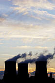 Cooling towers at Didcot power station, England, Uk