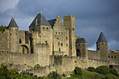 France. Languedoc. Carcassonne. The imposing fortified walls and towers of Carcassonne. 2007
