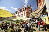 Pavement cafe at market square, town house in background, Coburg, Upper Franconia, Bavaria, Germany
