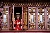 China  Yunnan Province  Shangri-La region  Lijiang  Chinese woman