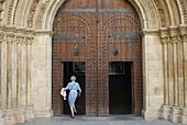 Catedral, Church, City, Color, Colour, Comunidad Valenciana, Europe, Jaime, People, Ruta, Spain, Urban, Urbano, Valencia, Walking, L51-762907, agefotostock