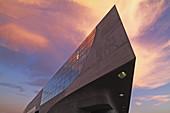 Phaeno Science Center (architect: Zaha Hadid), Wolfsburg, Lower Saxony, Germany
