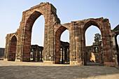 Qutb Minar, Quwwat al-Islam mosque (1190s), Delhi, India