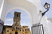 St Marys church, Arcos de la Frontera. Pueblos Blancos (white towns), Cadiz province, Andalucia, Spain