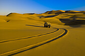 Land Rover desert vehicle Tommys Tours & Safaris, Swakopmund Dunes, Swakopmund, Namib Desert, Namibia