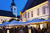 Piata Mare, town square, outdoor cafe/restaurants, Sibiu, Transylvania, Romania