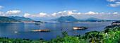 Panorama vom Lago Maggiore mit Borromäische Inseln, Isole Borromee, Isola Superiore, Isola Bella, Isola Madre, Stresa, Lago Maggiore, Piemont, Italien