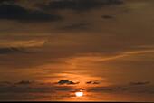 Amerika, Aussen, Draussen, Ende, Farbe, Geräuschlosigkeit, Himmel, Horizont, Horizonte, Jalisco, Länder, Landschaft, Landschaften, Meer, Mexiko, Natur, Nordamerika, Orange, Plätze der Welt, Puerto Vallarta, Reisen, Ruhe, Ruhig, Sonne, Spiritualität, Spiri