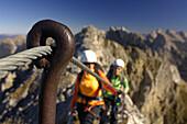 Women on the Mittenwalder Klettersteig, Mittenwalder Hoehenweg, Fixed rope climbing, Karwendel mountain, Mittenwald, Upper Bavaria, Bavaria, Germany