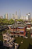 China-April 2008. Shanghai City. Yu Gardens Bazaar