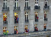 Spectators, Shrove Monday procession, Cologne, North Rhine-Westphalia, Germany