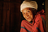 Older Karen woman clad in traditional dress, Mae Sariang, Province Mae Hong Son, Thailand, Asia