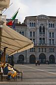 The terrace of Cafe degli Specchi on the Piazza dell'Unita d'Italia, Trieste, Friuli-Venezia Giulia, Upper Italy, Italy