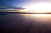 Blick auf das Meer im Sonnenuntergang, Punta Conejo, Baja California Sur, Mexiko, Amerika