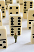 Business, business, Children, Concept, Concepts, De, Detail, detail, details, Detalle, Domino, Dominoes, Dominos, Economy, Ficha, Figure, Figures, Game, Games, Idea, Ideas, Individualism, Individualist, Individuality, Interior, Interiors, Juego, Line, Lin