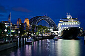 Australia - New South Wales (NSW) - Sydney: Cruise ship ´Amsterdam´ in Sydney Harbor in the evening