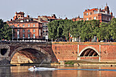 The Pont-Neuf Bridge Over The Garonne Links The Place Esquirol To The Cours Dillon, Completed In 1632, Toulouse, Haute-Garonne (31), France