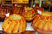 Kugelhopfs, Vals Freres Bakery And Pastry Shop, Strasbourg, Bas-Rhin (67), Alsace, France