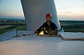 maintenance worker on wind turbine, Sehnde, hanover region, Lower Saxony, Germany