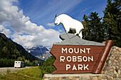 Camper, Mount Robson, Mount Robson Park, Alberta, Canada