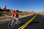 Mountainbiker, Valley of Fire, Nevada, USA