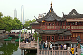 Mid Lake Pavilion Teahouse, Bridge of nine turnings, Mid-lake Pavilion, in Yu Yuan Gardens, Huxinting Teahouse, Shanghai, China, China, Asia