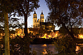 Magdeburg Cathedral on the river Elbe at night, Magdeburg, Saxony-Anhalt, Germany, Europe
