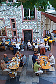 Guests in an apple wine pub, painted house in Alt-Sachsenhausen, Frankfurt am Main, Hesse, Germany