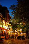 Restaurants and pubs in the evening, Alt-Sachsenhausen, Frankfurt am Main, Hesse, Germany
