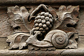Mediaeval house with sculpted facade representing 2 strong symbols of Burgundy,  snails and grapes,  rue de la Verrerie,  Dijon,  Cotes d´Or,  France
