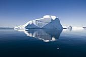 Offline wg. BUYOUT getty!  Icebergs of Ilulissat Kangerlua Isfjord in the sunlight, Disko bay, Kitaa, Greenland