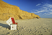 Beach chair at Red Cliff, near Kampen, Sylt, North Frisian Island, North Sea, Schleswig-Holstein, Germany