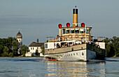 Paddle steamer Ludwig Fessler, built in 1926, in front of Fraueninsel, Lake Chiemsee, Chiemgau, Bavaria, Germany