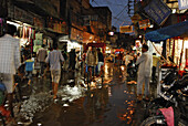 Downpour in Paharganj in the evening, Mainbazar, traffic in the floods, New Delhi, Indian capital, India, Asia