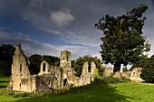 Fountains Abbey, Ripon, North Yorkshire, England, Großbritannien, Europa, Fountains Abbey eine der größten und besterhaltenen Zisterzienseranlagen in England