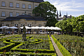 Rose garden of the Neue Residenz, in the back St Michael, Bamberg, Upper Franconia, Bavaria, Germany