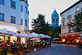 Summer in the city on St. Anna square, Lehel, Munich, Upper Bavaria, Bavaria, Germany