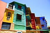 Bunte Häuser mit Wellblechfassaden im Stadtteil La Boca, El Caminito, in Buenos Aires, Argentinien / Colurful houses, corrogated iron facades, La Boca district, El Caminito, Buenos Aires, Argentina