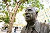 Statue of Pablo Picasso, Plaza de la Merced, Malaga, Spain, Europe