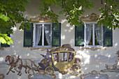 Lüftlmalerei am Gasthaus zur Post, Jachenau, Oberbayern, Bayern, Deutschland