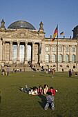 Reichstag building, outdoors in summer, people, Berlin