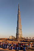 Contraction worker at Burj Khalifa, highest Skycraper in the World, 828 meter, 2625 feet, Burj Dubai, Dubai United Arab Emirates