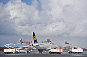 Cleaning of an airplane, Munich airport, Bavaria, Germany