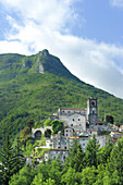 Mountain village of Monzone, Vinca valley, Alpi Apuane, Apennines, Tuscany, Italy