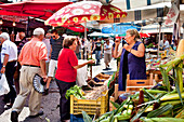 Schneckenverkauf auf dem Markt, Mercato di Ballarò, Palermo, Sizilien, Italien