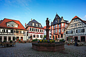 Market fountain on the market square, Heppenheim, Hessische Bergstrasse, Hesse, Germany